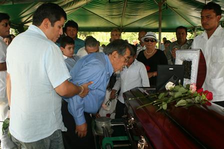 Espinoza Paz Y Su Familia